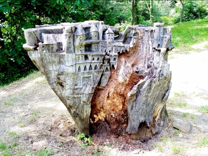 Rennes Les Baines - Tree Carving